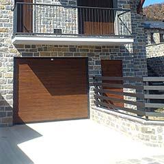 03-puertadegaraje_pirineo